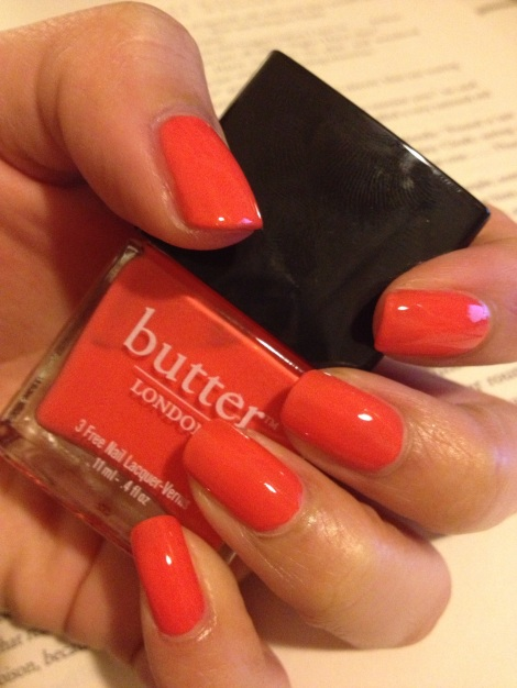 This color is so stunning and juicy. I feel like I have  delicious citrus fruit on my nails!